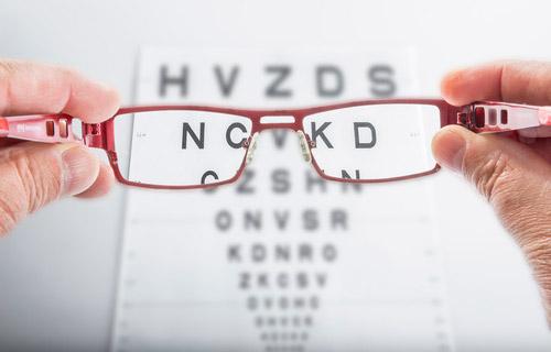 cada cuanto ir al oftalmologo